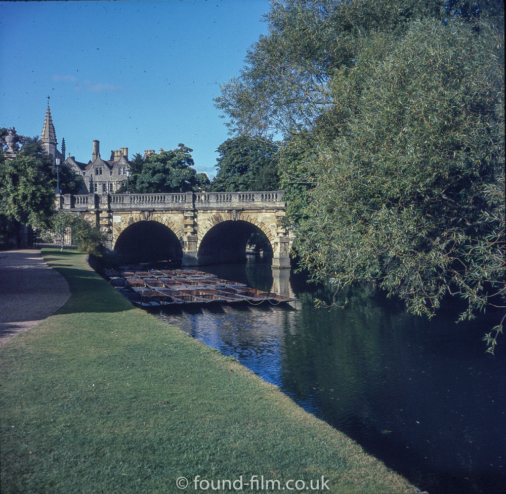Pictures of Oxford - Punts on the Isis