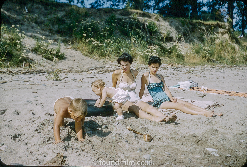 kodachrome red border colour slides - Women and children on a beach